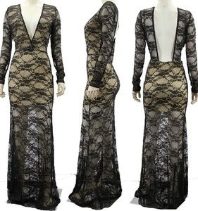 Dresses & Skirts - Elegant Gown w Lace Overlay